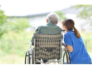 Австралийский институт исследовал пользу видеонаблюдения в уходе за престарелыми